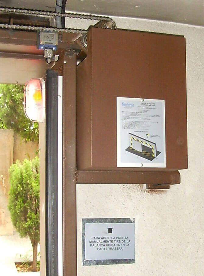 Ejemplo de acabado accionamiento puerta deslizante (e4748)